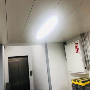 Brandschutzdecke Metall EI60 mit Leuchte